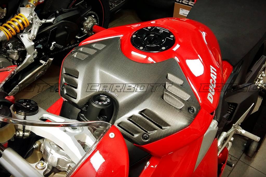 Ducati Carbon V4